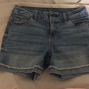 Girls midi jean shorts !